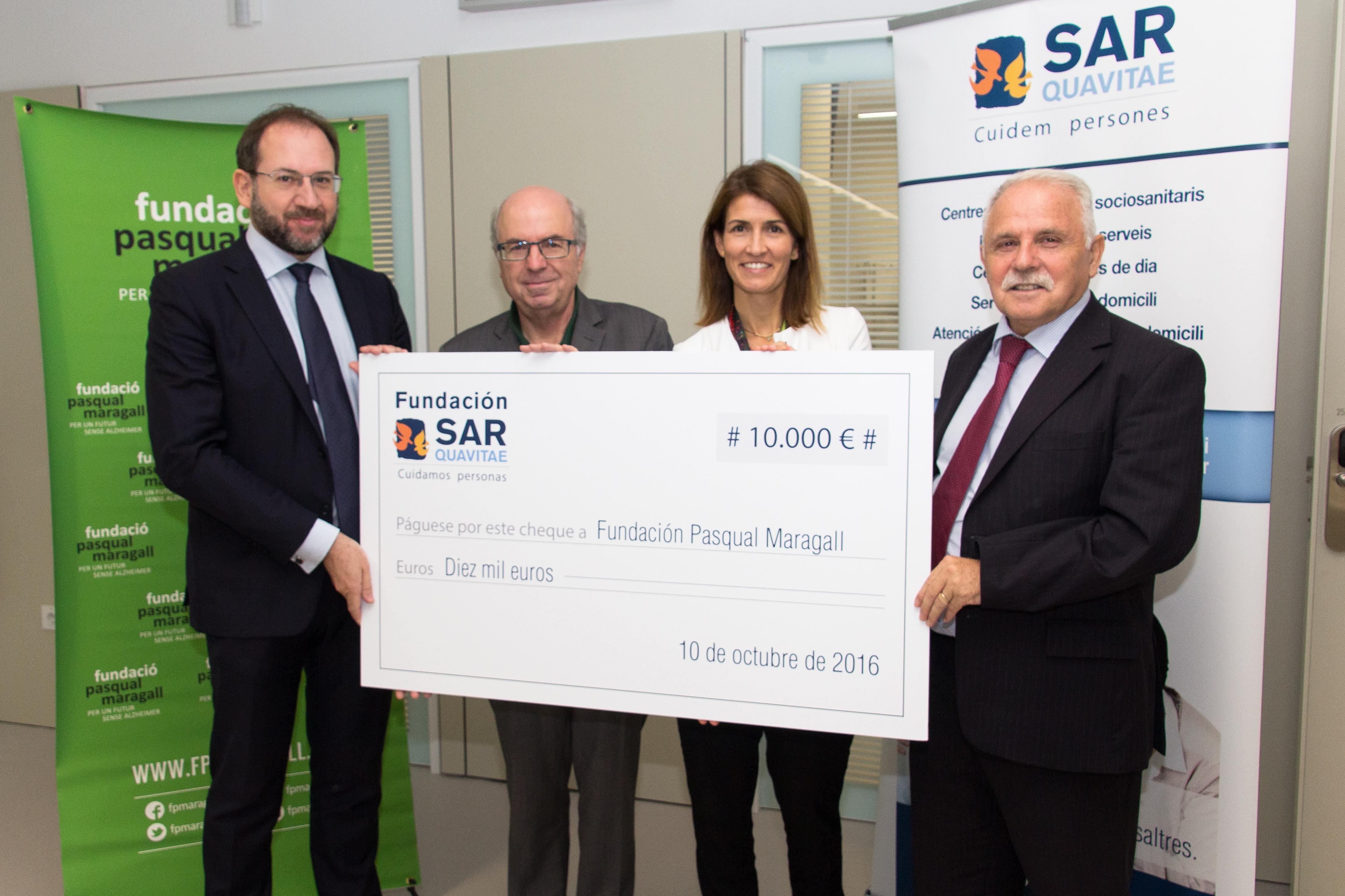 La Fundació SARquavitae dóna 10.000 euros a la Fundación Pasqual Maragall per a la recerca de l'Alzheimer