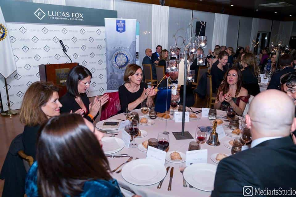 El sopar de gala de Rotary Club es va celebrar al Saló del Centenari del Reial Club de Polo de Barcelona