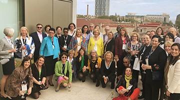 Les visitants de International Women Forum al final de la visita a la Fundació Pasqual Maragall