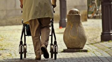 65 entitats han signat el Manifest per aturar el maltractament a les persones grans