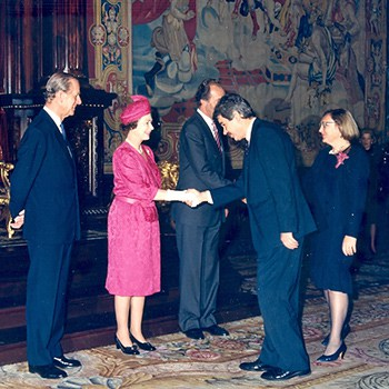 La reina Isabel II y Pasqual Maragall, 1988.