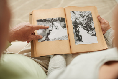Senior couple at their wedding photos in photo album; Shutterstock ID 401595460; PO: 4700808656; Job: 10814735; Client: Momentum/Ricoh; Other: Printed Memoris